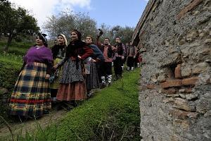 La Sfilata dell'Orso e della Corte Principesca - Saponara (Messina)